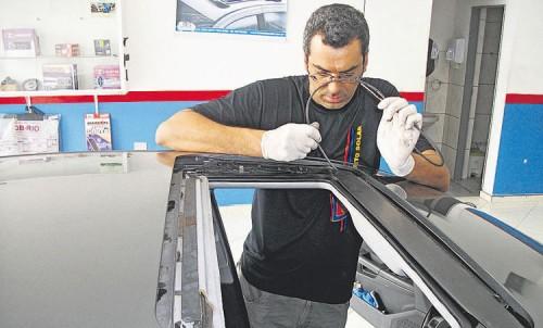 Limpeza do Teto Solar evita defeitos - fufao teto solar